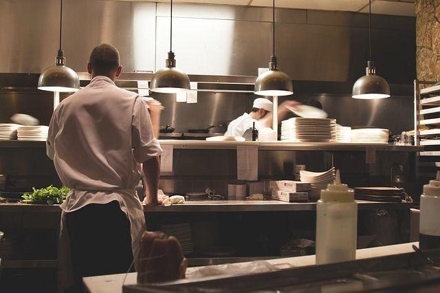 Cuando haces la oferta de busco cocinero, estas son algunas de las situaciones a las que se enfrentan las empresas y emprendedores en muchas ocasiones dentro del mundo de la Gastronomía.