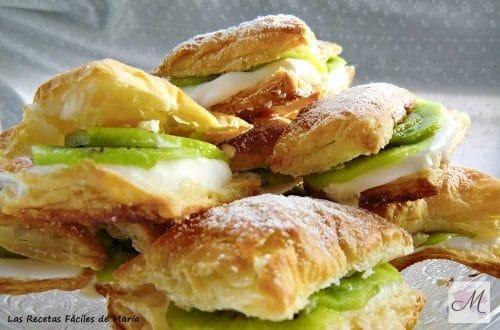 receta hojaldres con kiwi y nata montada