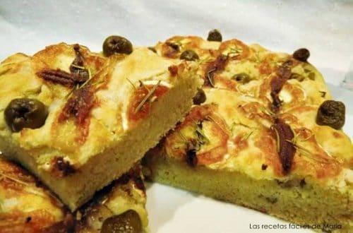 focaccia de anchoas, aceitunas y queso rulo receta