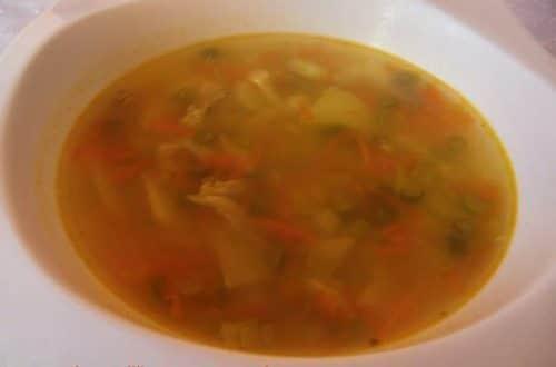 sopa de pollo con verduras receta casera