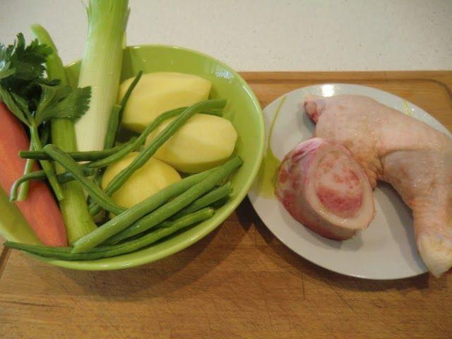 ingredientes de sopa de pollo con verduras