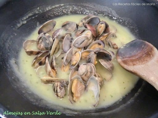 Almejas en Salsa Verde receta fácil y deliciosa