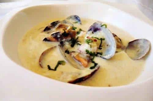 https://www.lasrecetasfacilesdemaria.com/2015/03/receta-de-sopa-de-almejas-clam-chowder-en-olla-gm.html/