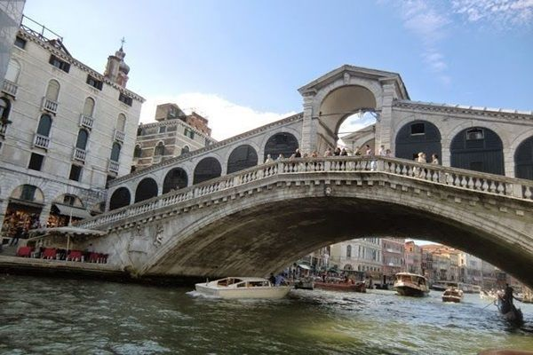 Puerte Rialto Venecia