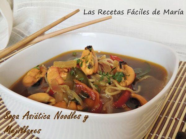sopa china de noodles y mejillones