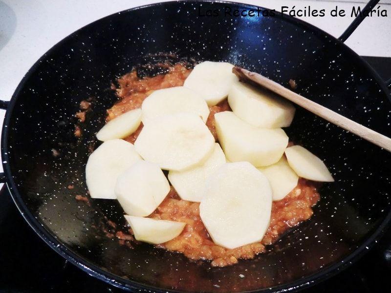 Suquet-de-rape-y-marisco-mediterránea-patatas