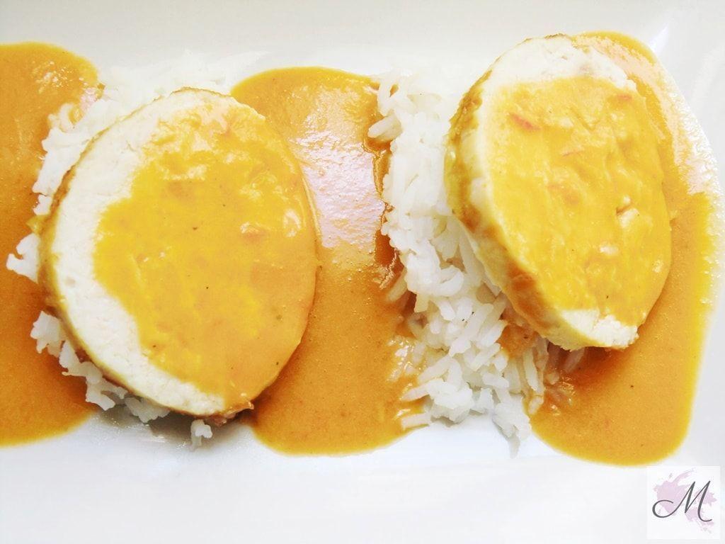 Roti de Pollo en salsa de curry rojo con arroz basmati, sin gluten para celiacos presentación
