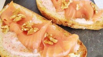 receta Tosta de Salmón con Salsa de Rabanitos Las Recetas Fáciles de María