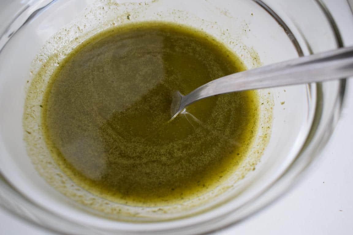 Aceite de Albahaca en Ensalada Quinoa Verduras y Yogurt especiado Las Recetas Fáciles de María