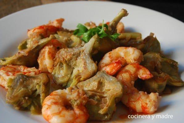 Alcachofas con langostinos Cocinera y Madre