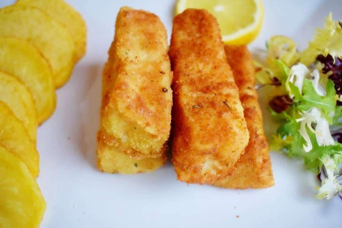 Fingers de pescado patatas españolas crujientes