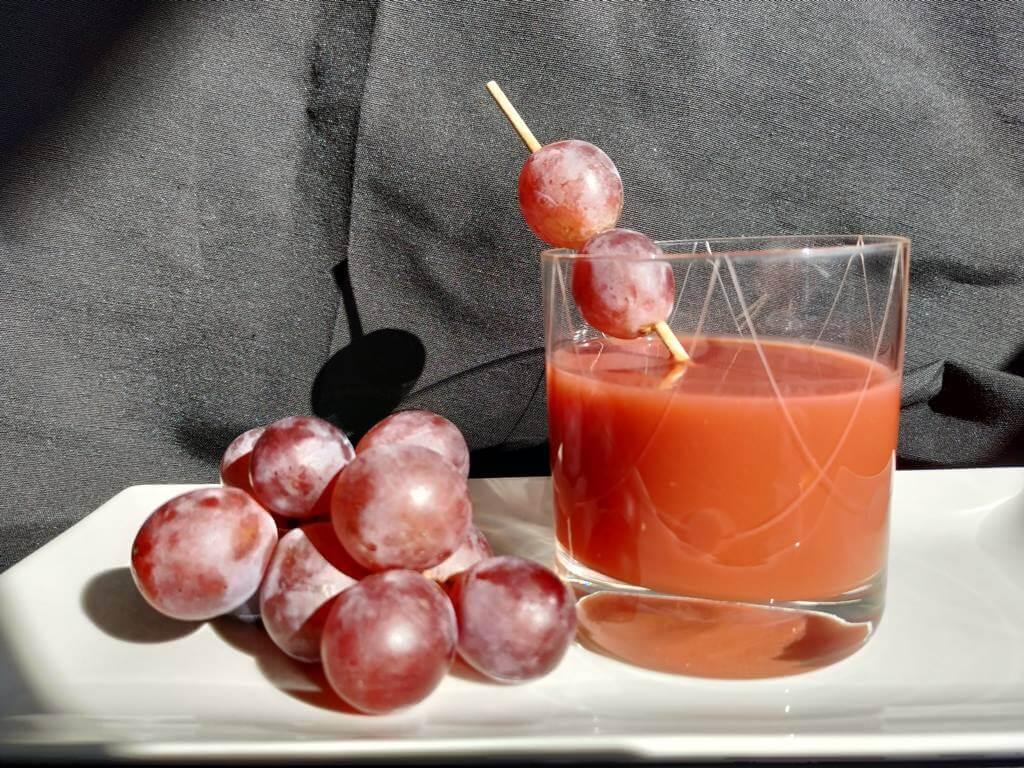 Batido de Tomate y Uvas Rojas Presentación
