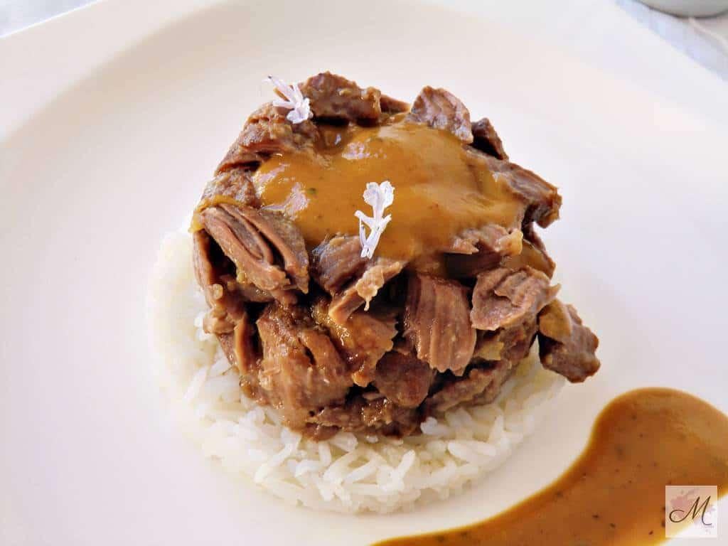 Pieza de Ibérico a Fuego Lento y verduras de la huerta receta cocina creativa