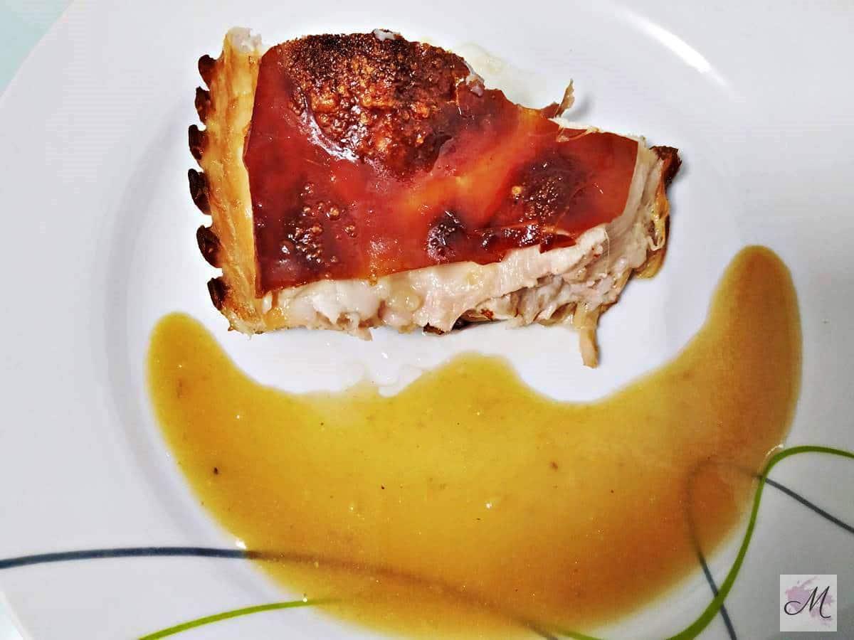 Cochinillo asado al horno con Salsa Española