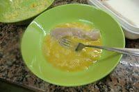Palitos de pollo con polvo de cheetos gusanitos paso 4