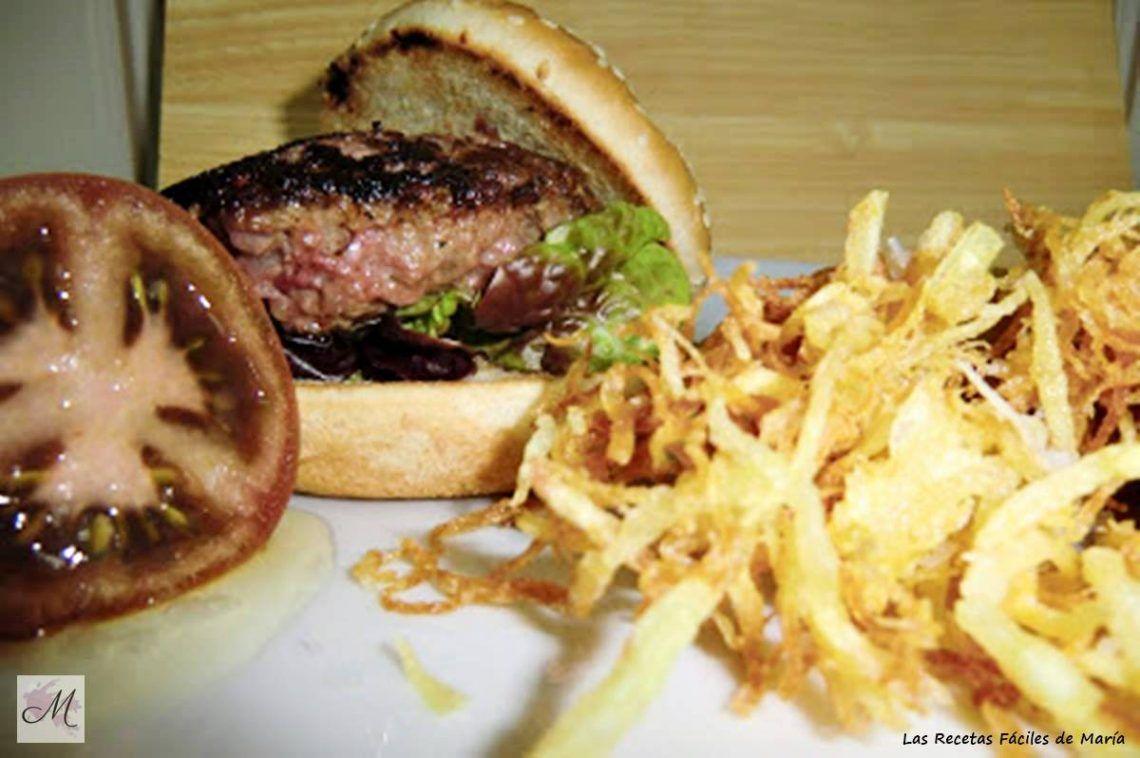 hamburguesa francesa con patatas paja