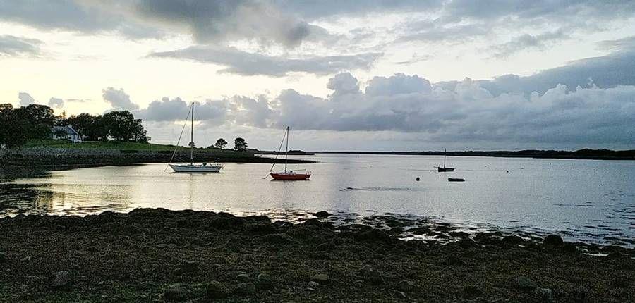 Playas con Destinos Espectaculares atardecer bahia de Kinvara Irlanda